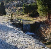 małe spady potoku zasilajacego Biała Ladecka
