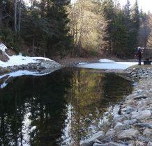 część zbiornika pokrywa jeszcze lód