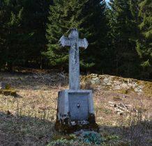 na starym cmentarzu