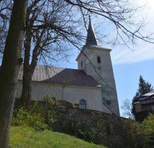 kościół we wsi wzmiankowany był już w 1384 roku