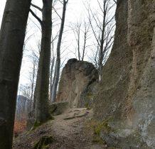zlepieńce-składaja się z najróżniejszych skał