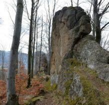 bardziej odporne na erozję od skał wapiennych
