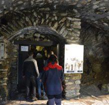 otwór wejściowy znajduje się na wysokości 800m n.p.m.
