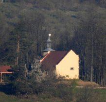 daleko kaplica św.Antoniego