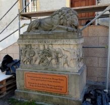 """pomnik """"śpiacego lwa"""" z 1922 roku"""