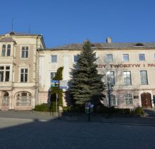 budynek administracyjny dawnych Zakładów Tworzyw i Farb