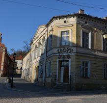 dom z restauracja(dawny) Złoty Jar z 1870r