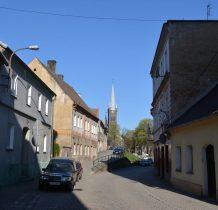 ul.Woska Polskiego w kierunku kościoła