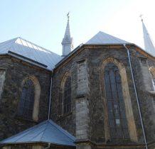 kamienna bryła kościoła