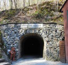 zwiedzanie rozpoczynamy od kopalni  złota-wejście szybem Gertruda