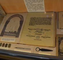 pozyskiwane z muzeów,dary mieszkanców-kronika z 1933 roku