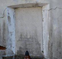 z kamiennymi tablicami