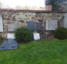 lapidarium na starym murze obronnym