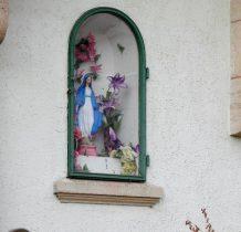 z kapliczka na murach