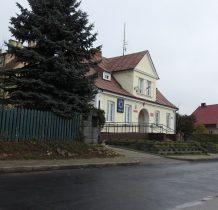 Regimin-zabytkowy budynek-obecnie policja i biblioteka