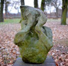 kamienne rzeźby