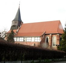 Cedry Wielkie-kościół z XIV wieku
