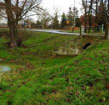 zabytkowy ceglany most na Motławie