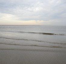 i większe-w oddali koniec piaskowej łachy
