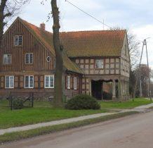 Nowa Kościelnica-piękny dom podcieniowy z 1840 roku