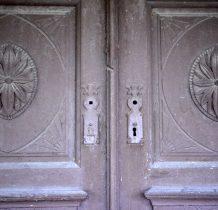 zabytkowe drzwi