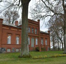 zdobiony detalami dom pochodzi z 1868 roku