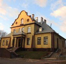 jak polski stary dworek-dworzec kolejowy z 1925 roku