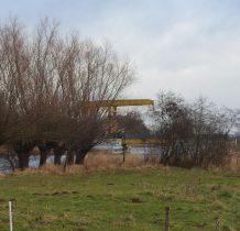 jeden ze zwodzonych mostów nad Szkarpawa