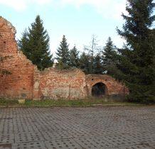 Wocławy-ruiny gotyckiego poewangelickiego kościoła z XIV wieku ( 1384 rok)