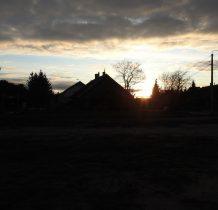 słońce dopiero się pokazuje