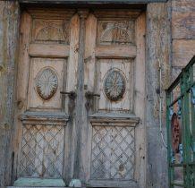 i piękne drzwi