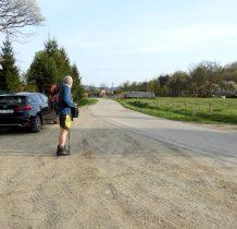 Start w miejscowości Izby, zostawiamy samochód przed budynkiem nadlesnictwa