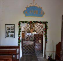 Cerkiew cały czas jest otwarta, wejście do nawy chroni krata