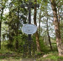 teren cmentarza zadbany