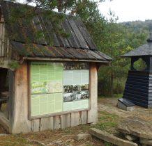 coś w rodzaju kaplicy upamiętniajacej dawna wieś