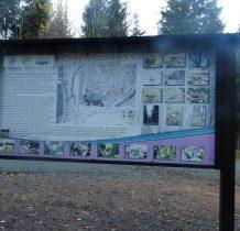 Na tablicy informacyjnej historia osady Góra Igliczna
