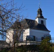 Maria Śnieżna to niewielki kościół położony u stóp Góry Iglicznej