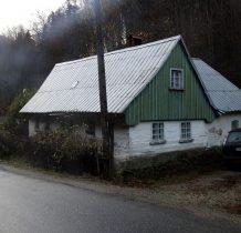 Kolejny ciekawy budynek przy drodze