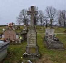 cmentarz wioski położony na wzgórzu