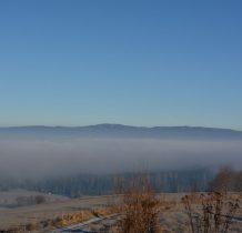 Gorce też próbuja przedrzeć się przez mgłę