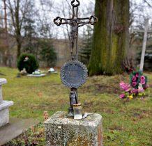nagrobki malhowickiego cmentarza