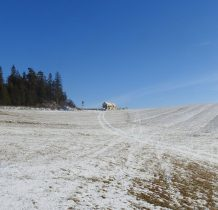 Mikołajczyna Skała i nowy domek na wzgórzu