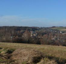 ze wzgórza wspaniała panorama na miasto i okolicę