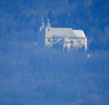 kościół w Nowej Wsi z tej odległości...