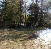 na małej polance-pomnik upamiętniający Kurierów Beskidzkich AK