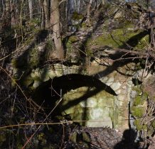 wejście od strony lasu