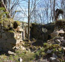 kamienne ruiny budynku,kaplicy?