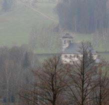 z zabytkowym kościołem Jana Nepomucena